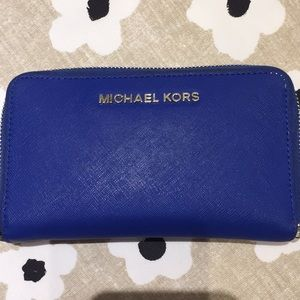 Michael Kors wallet. Excellent used condition!!